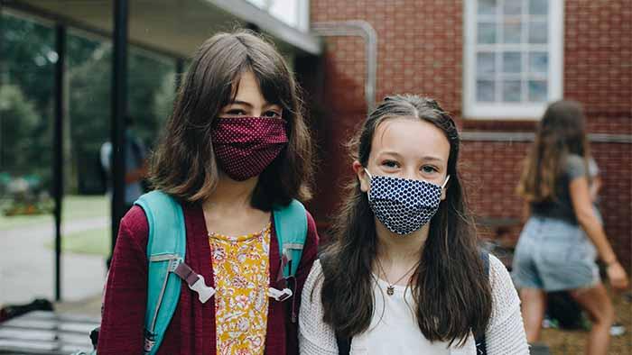 wear mask Lilian